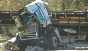 9 million recovery logging truck accident 3